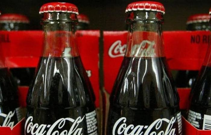 طوعاً أو إجباراً.. كوكاكولا تسرّح 4 آلاف عامل!