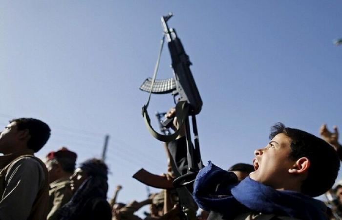 الإرياني يتهم الحوثيين بتجنيد الأطفال