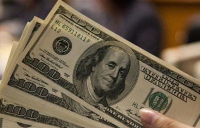 مع عطلة الأضحى.. كم بلغ سعر صرف الدولار اليوم لدى الصرافين؟