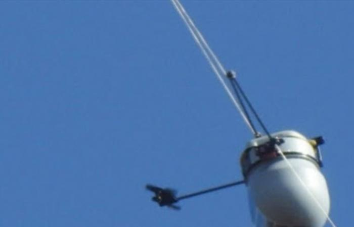 'إسرائيل' تطلق منطاداً تجسسياً فوق حولا الحدودية