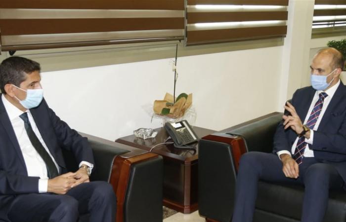 وزير الصحة بحث في استكمال تأهيل مستشفى بشري الحكومي