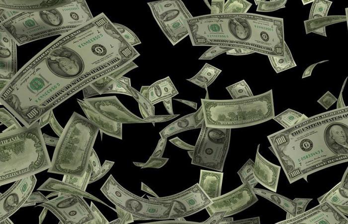 استقرار دولار السوق السوداء