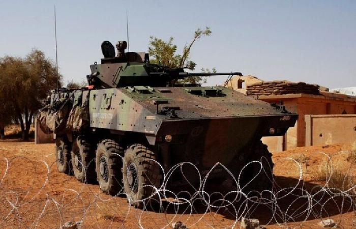 هجوم على 3 قواعد عسكرية فرنسية في مالي